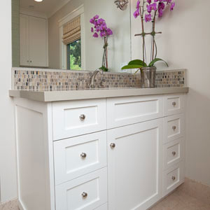 A Modern Craftsman: Guest Bathroom