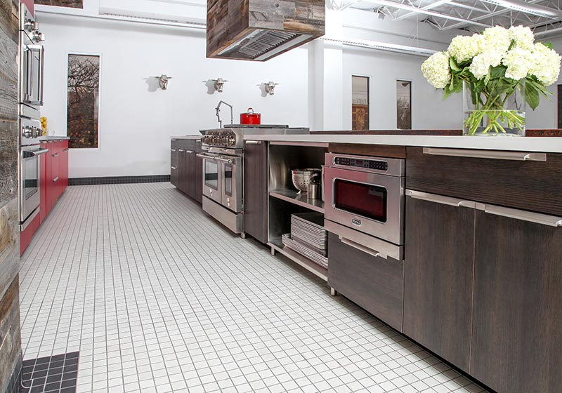 This Chicago Test Kitchen pairs Hollyberry and TSS Carbone for a perfect presentation.