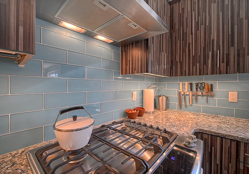 Make a statement with a beautiful patterned laminate material, matched perfectly with Streamline® RTA Cabinets.
