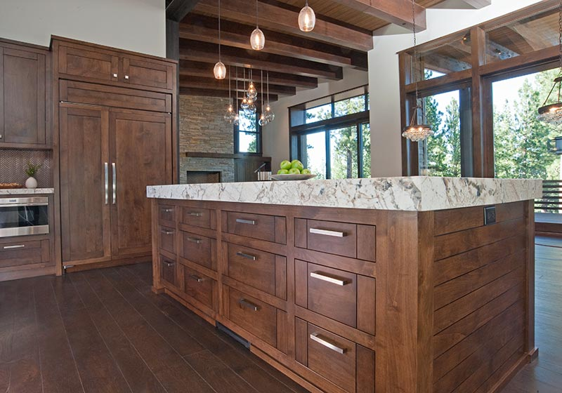 The Beauty Of Stained Alder Fits Perfectly In This Kitchen Perched Mountains Natural Surroundings