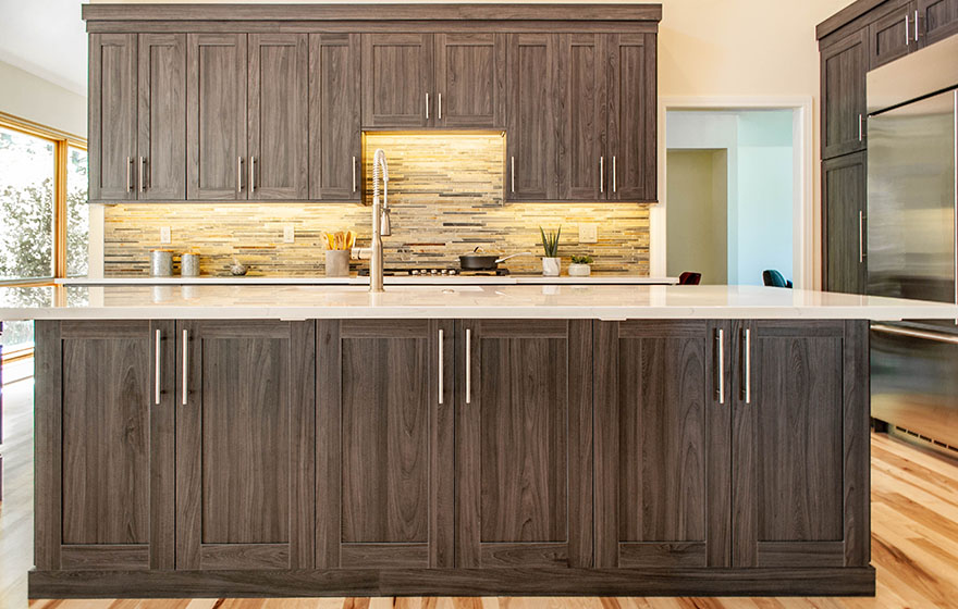 Stylish and sleek, this textured melamine kitchen provides a perfect place to gather and celebrate.