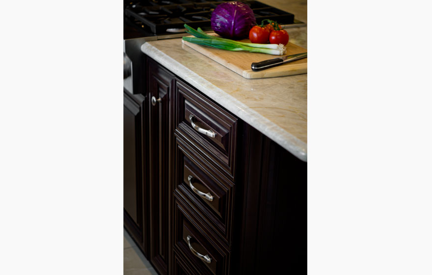 Streamline® Cabinet Boxes are the building blocks for this elegant and timeless kitchen.