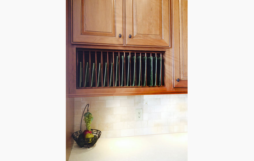 """The Hudson 3/4"""" (548) Door pairs well with Gothic French Lites to give a specialized look to this kitchen."""