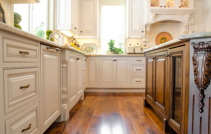 "Every exquisite detail is accounted for in this elegant kitchen featuring Ridgeview 3/4"" (579)Doors."