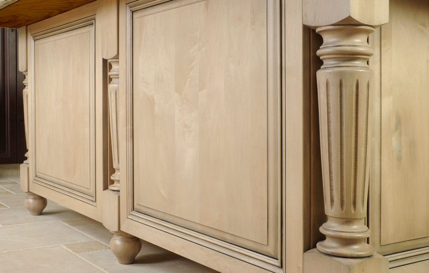 "The Ponderosa 3/4"" (839) Door in both Beech and Maple makes a unique canvas for this beautiful kitchen."