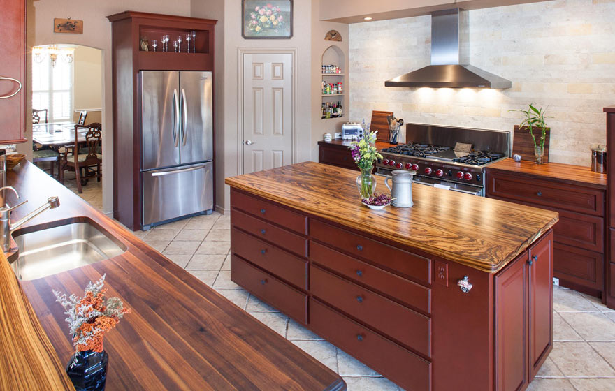 "Add a twist to a traditional style kitchen by using an unexpected door style like the Canyon 3/4"" (920), along with the classically traditional Heritage 3/4"" (805) Door."