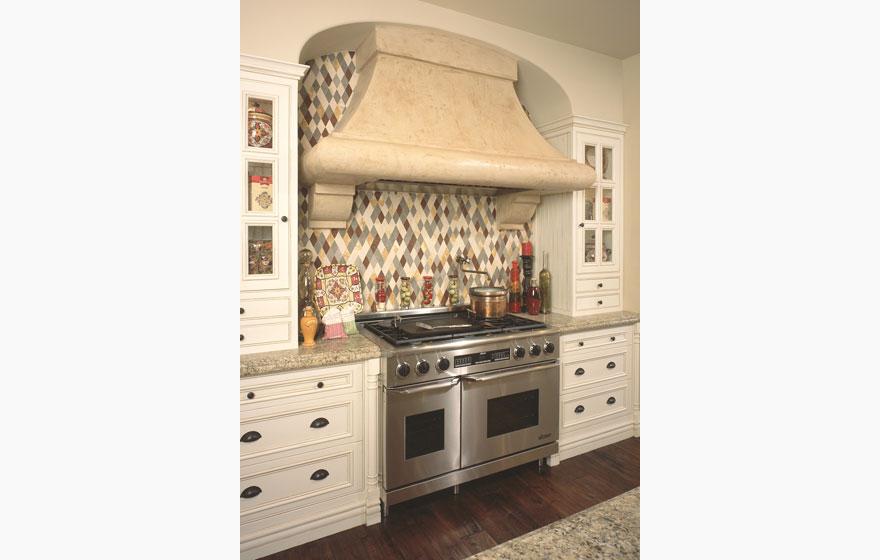 Bel air 3 4 581 kitchen with oe2 wood cabinet door for Lavish kitchen designs